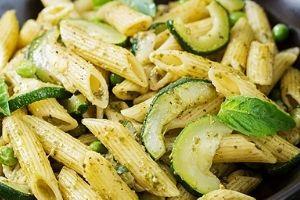 koolhydraatarme diner recepten Pasta met pesto en courgette